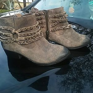 Naughty monkey ankle booties-never worn don't fit!